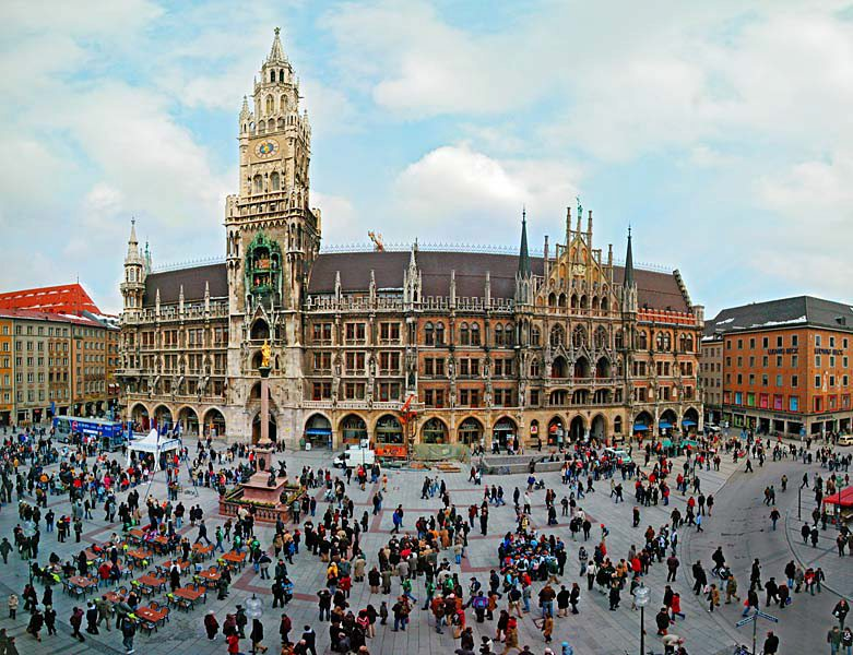 Name:  Marienplatz3279647691965_569965791_n.jpg Views: 2258 Size:  125.8 KB