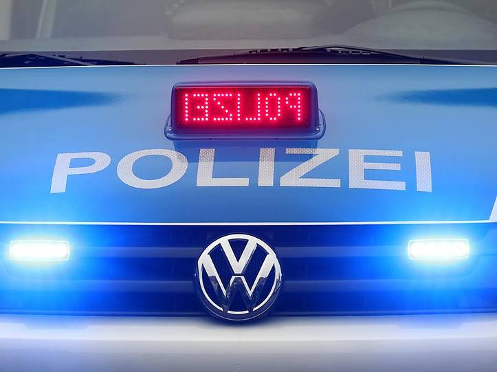 Name:  polizei blaulicht.jpg Views: 9727 Size:  37.3 KB