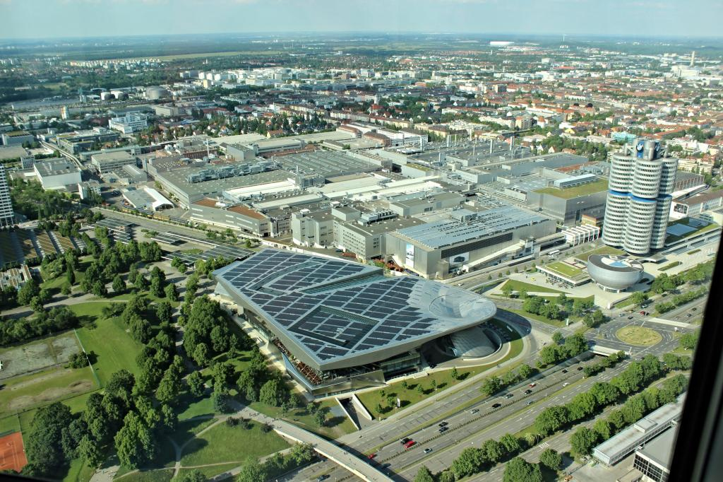 Name:  BMW Welt and Museum and WERK  IMG_8928.jpg Views: 6192 Size:  179.6 KB