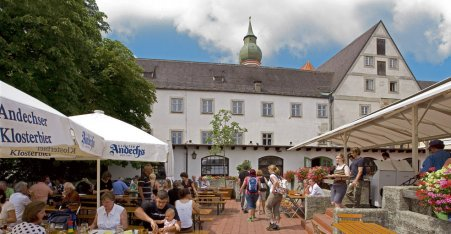 Name:  Kloster Andrechs  10_by_andechs_kloster_biergarten_roland_rossner_3_452x.jpg Views: 5661 Size:  33.9 KB